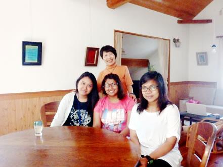 アジアの留学生 ホームステイ